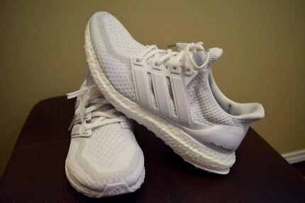 Ultra boost 2.0 triple white US 10.5