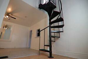 **Unique  2 Bedroom unit with a spiral staircase/loft!!** 10C1