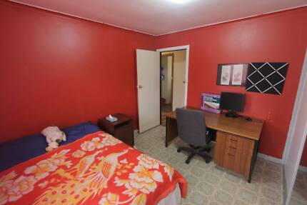 Fully Furnished Sharehouse Wilson (2 rooms) Curtin