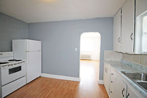 Large 2 Bedroom Apartment Near Downtown Barrie - Penetang (P1)