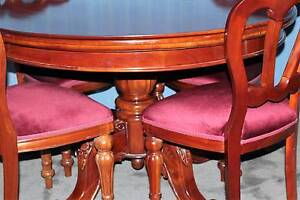 Mahogany DiningTable & Chairs in Beautiful Condition Wyong Wyong Area Preview