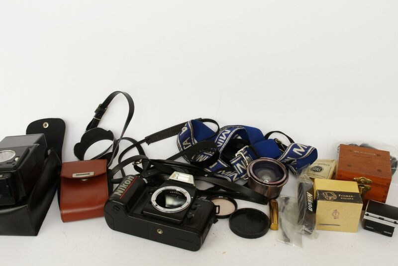 big lot of classic camera and lens accessoires, check pictures #4