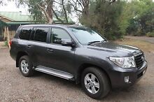 2013 Toyota LandCruiser Altitude with leather seats, low km Berkshire Park Penrith Area Preview