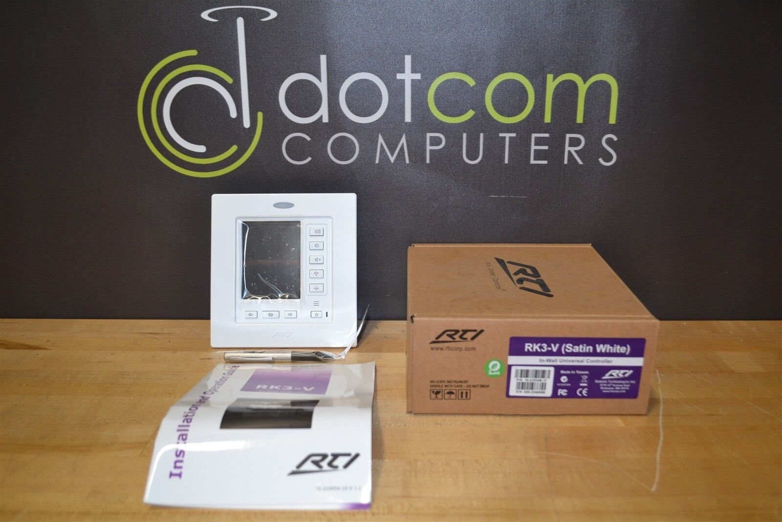 RTi RK3-V RKV3 In Wall Universal Touchscreen Controller White NEW IN BOX