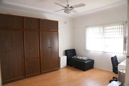 Lidcombe large private room