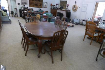 Round Dining Table In Pittwater Area NSW