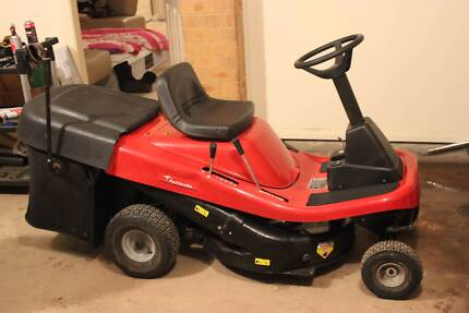 Ride On Parklander Lawn Mower Campbelltown Campbelltown Area Preview