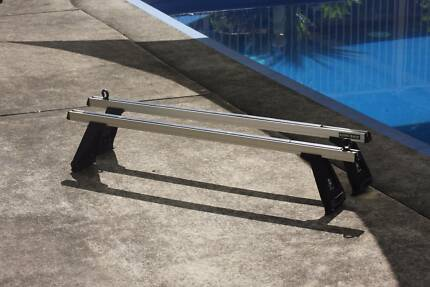 RINO GUTTER ROOF RACKS ADJUSTABLE BARS GOOD CONDITION 1.5 m Long Grafton Clarence Valley Preview