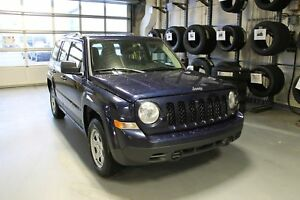 2016 Jeep Patriot Sport/North | 4X4 | Cloth | CD Player | Crusie