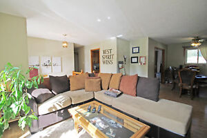 Bright 3-Bedroom Bungalow on Large Lot in Innisfil - (S1)