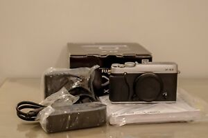 Fujifilm X-E2 Mirrorless Camera Body