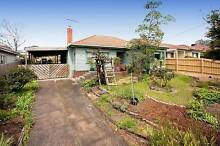 3 ROOMS + BUNGALOW AT SHAREHOUSE MINUTES FROM DEAKIN UNIVERSITY Burwood Whitehorse Area Preview