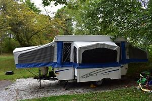 2007 Starcraft 12ft tent trailer with slide