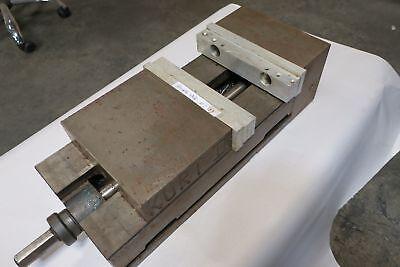 Kurt Ii Anglock 8 Pth800 Cnc Machine Vise. Hydraulic Vise.