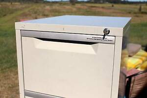 PINNACLE 4 DRAWER FILING CABINET WITH KEYS Maroochydore Maroochydore Area Preview