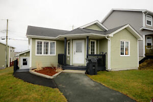 144 Mallow Dr, Paradise, Spacious and Cozy 2+1 Bedroom