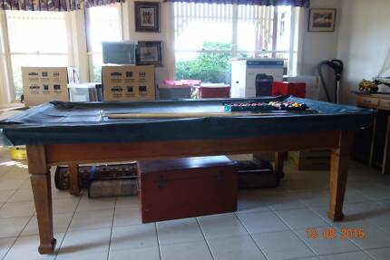POOL/SNOOKER TABLE  **EXCELLENT CONDITION** Cedar Creek Gold Coast North Preview