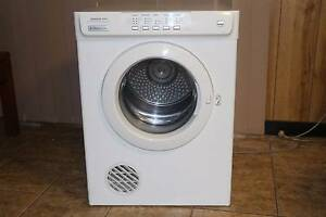 """Electrolux Cloths Dryer 6Kg """"BIG FAMILY MACHINE"""" Lynwood Canning Area Preview"""