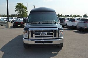 2011 Ford E-350 Limousine 8 Passagers TV/DVD Excellente Conditio