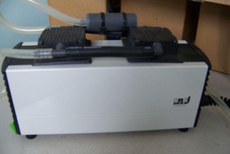 KNF Labport Neuberger PM23940-816.1.2 Laboratory Vacuum Pump ~ Nice