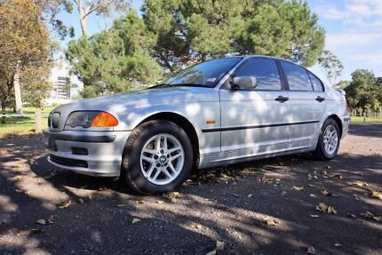 2000 BMW 318i E46