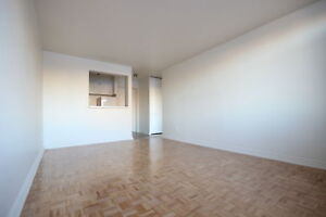 Renovated 3.5  - Downtown - Atwater - GUY CONCORDIA