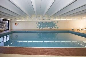 ForestHill 2 bedroom apt available for April 1 with POOL!