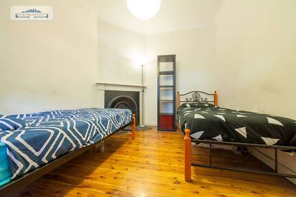 HOUSE SHARE FOR ONE FRIENDLY MALE ROOMIE IN PYRMONT