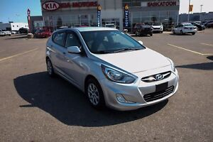 2012 Hyundai Accent L MANUAL -  A/C - ONE OWNER