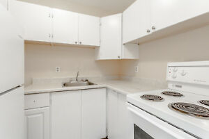 2 Bedroom @ 780 Division Street call 613.542.0078