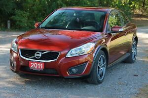 2011 Volvo C30 T5 Level 2 Leather   Sunroof   CERTIFIED