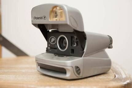 Polaroid 600 Camera