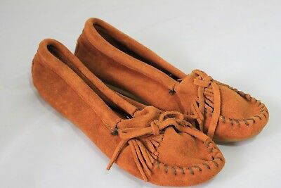 NEW MINNETONKA KILTY SUEDE MOC FRINGED MOCCASINS 9.5 DRIVING SHOES BROWN Kilty Driving Moc