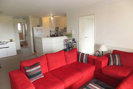 Couple or single flatmate wanted to share 3x2 apartment