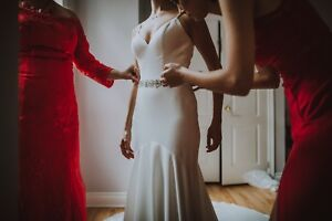 SELLING A LIGHTLY USED WEDDING DRESS