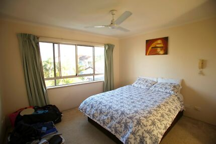 LARGE ROOM FOR RENT IN NOBBY'S BEACH APARTMENT GOLD COAST Mermaid Beach Gold Coast City Preview