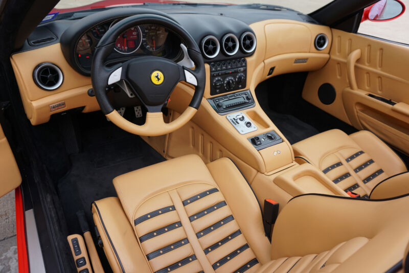 Image 22 Voiture Européenne d'occasion Ferrari Superamerica 2005