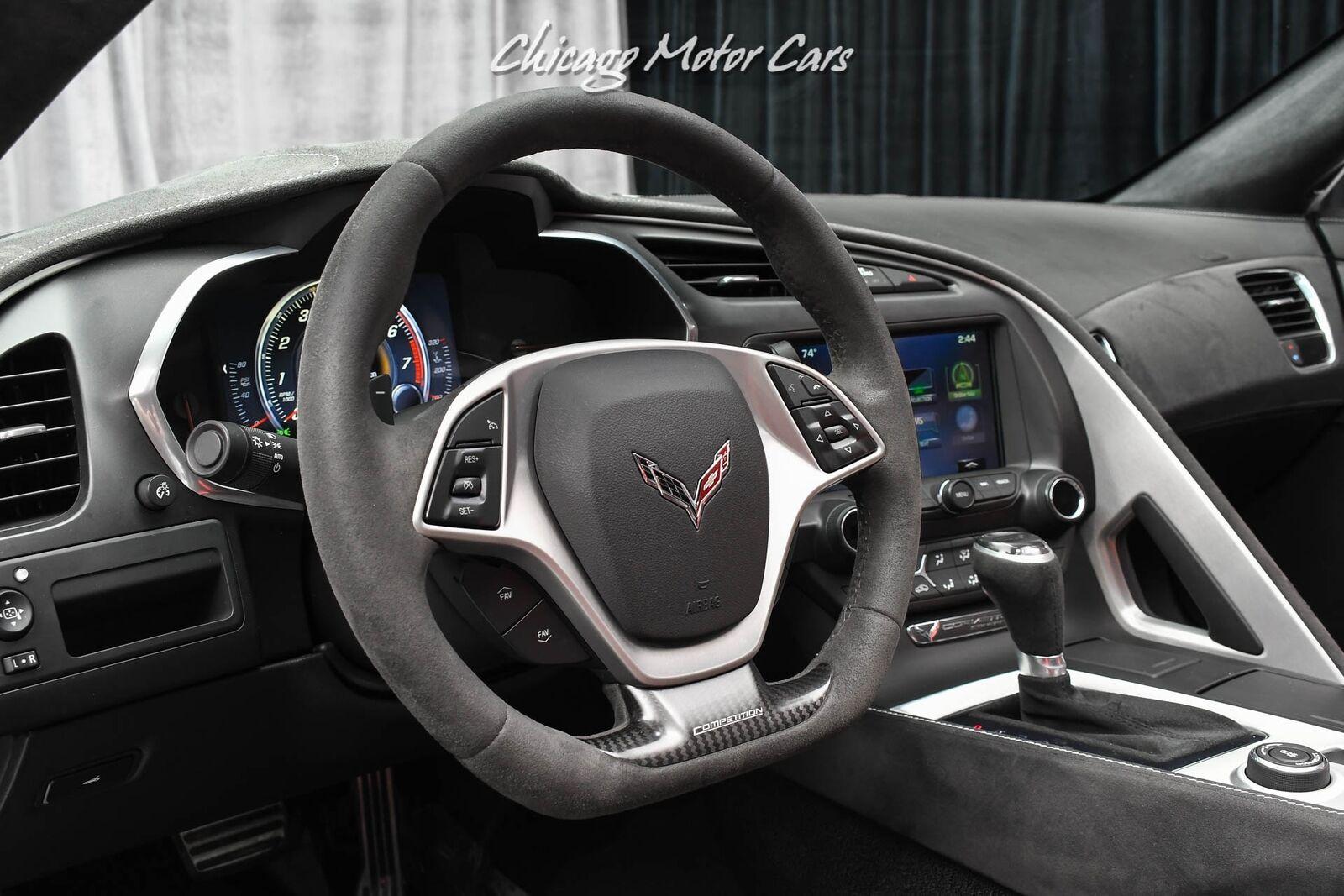 2016 White Chevrolet Corvette Stingray    C7 Corvette Photo 9