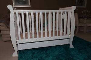 Brand New 2 in 1 Wooden Baby Cot & Toddler Bed Wyong Wyong Area Preview