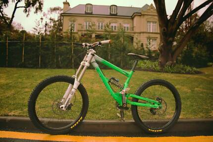 Commercial Supreme - Downhill Mountain Bike - Amazing condition Dulwich Burnside Area Preview