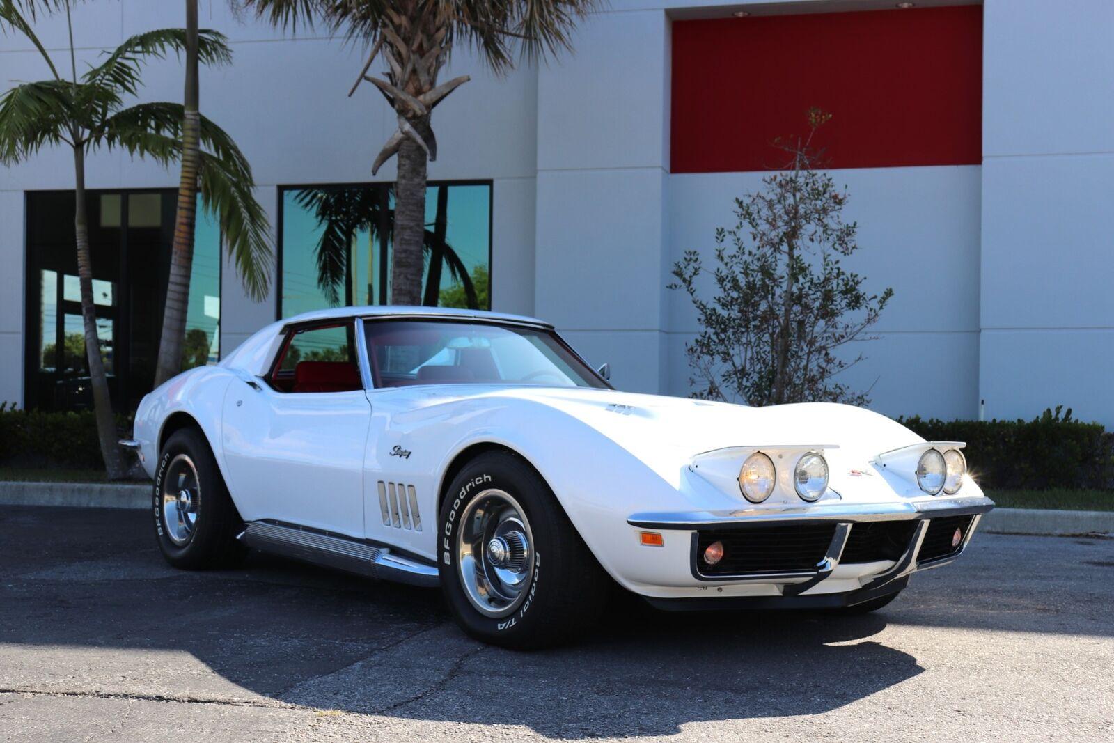 1969 White Chevrolet Corvette   | C3 Corvette Photo 7