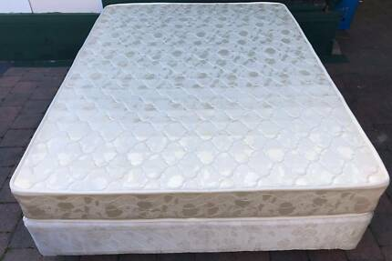 Excellent queen bed base with mattress. Delivery can do