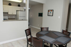 UWO/Fanshawe 5-Bed Student Townhouse for May! FREE WIFI!