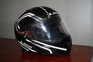 LS 2 Motorcycle Helmet ECER 22 Flip face Size Medium -1 week old Caboolture Caboolture Area Preview