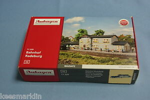 Auhagen-11-329-Railway-Station-034-Radeburg-034-Un-build-KIT-HO