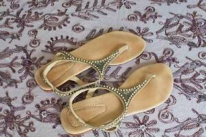 Size 6 Ladies leather diamonte  sandal Trinity Beach Cairns City Preview
