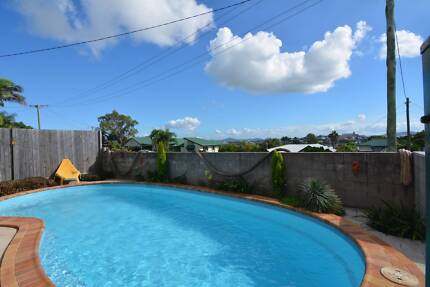 Gladstone 5 Bedroom House for Rent with Pool + 1 Bedroom Cottage