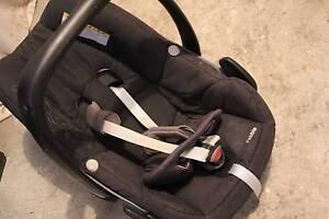 Maxi-Cosi Pebble car seat capsule Mosman Mosman Area Preview