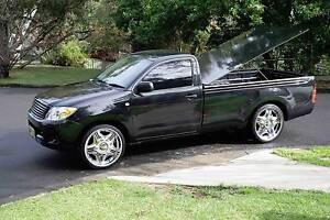 "2007 Toyota Hilux single cab. V6 4.0 ltr manual 148500kms. 22"" wh Dundas Valley Parramatta Area Preview"