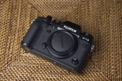 Fujifilm XT2 + Battery Grip Au Stock